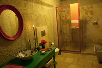 Cave Bathroom with marble of room #3